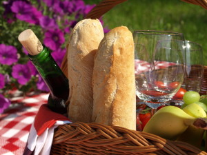 http://www.dreamstime.com/royalty-free-stock-photos-romantic-picnic-image29201998