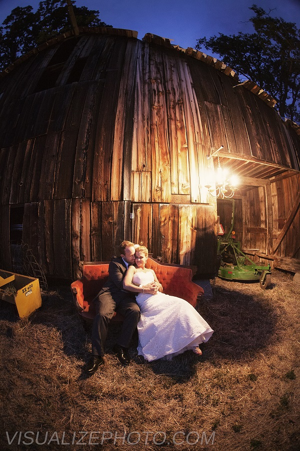 Erica & Greg's Colorful Rustic Wedding ~ Ashland, OR