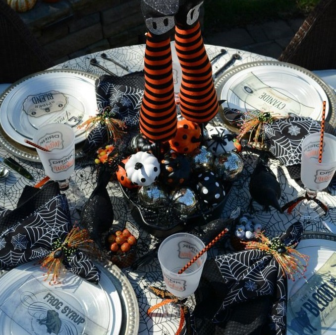 Frightfully Festive Halloween Tablescapes