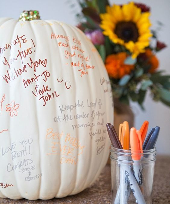 Perfect Last-Minute Touches for a Thanksgiving-Themed Wedding Reception