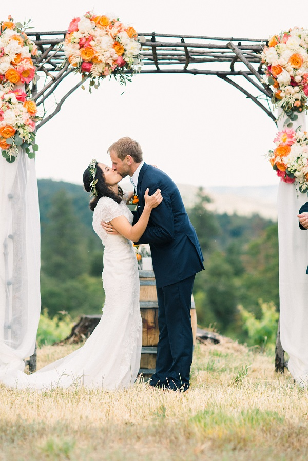 Lauren & Cody's Citrus Inspired Wedding ~ Jacksonville, OR