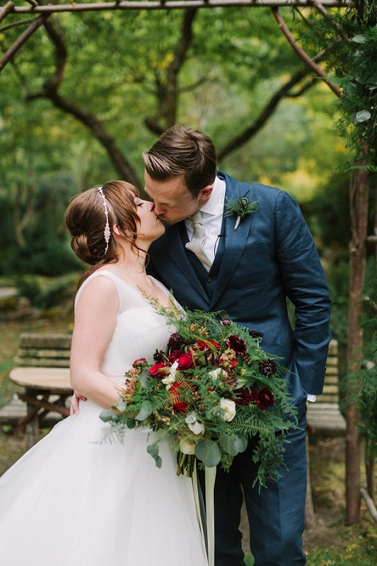 Sarah & Nick's Midsummer Nights Dream Wedding ~ Ashland, OR